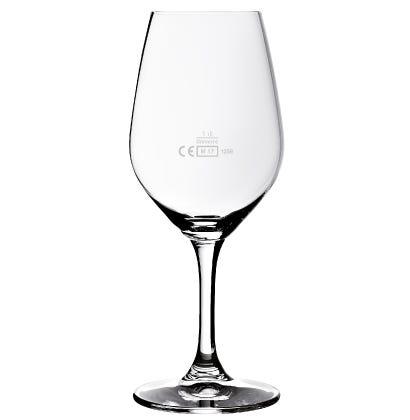 Weingläser mit Eichung
